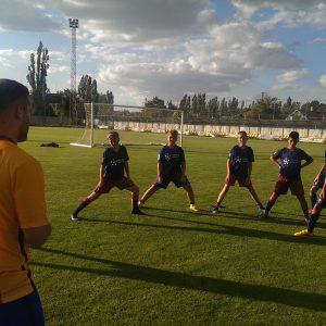 Растяжка. Лагерь по футболу с тренерами из Барселоны