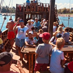 photo boat trip in camp